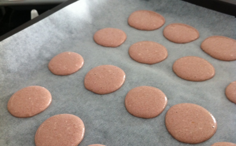 macarons with peanut butterfilling
