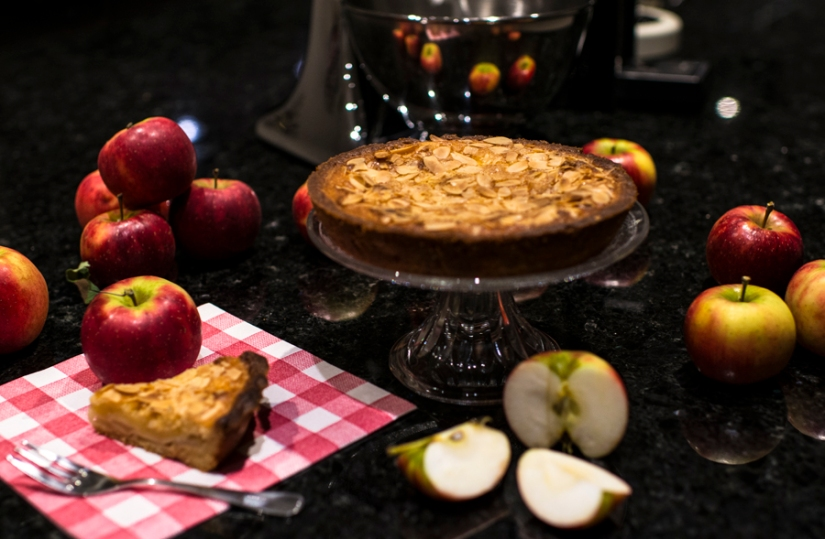 apple cake with marzipan