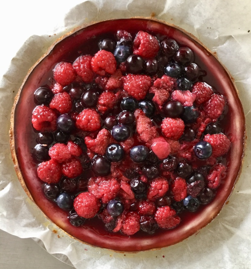 ricotta cheesecake with berries